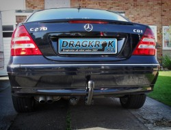 dragkrok Mercedes sedan